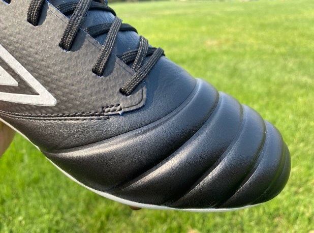 Umbro Tocco Idro Leather Upper
