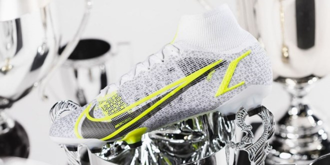 "Nike Release Mercurial Superfly Safari ""Silverware"""