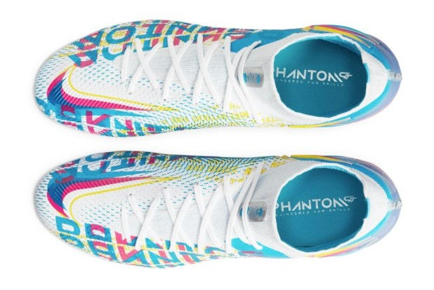 Nike Phantom GT 3D Graphic