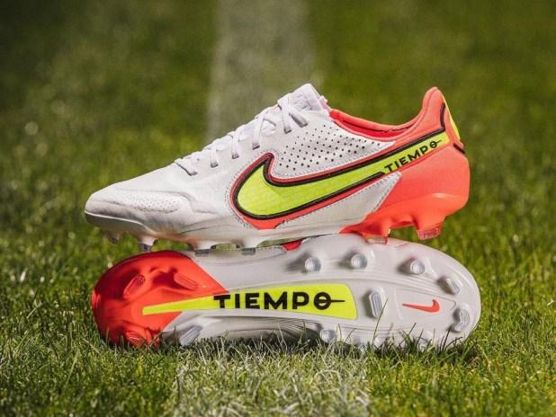 Nike Motivation Pack Tiempo Legend