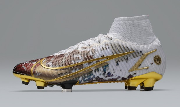 Ronaldo CR111 Boots