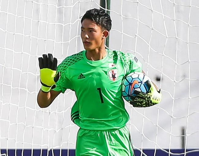 一発勝負の鍵を握るGK。U-16日本の守護神・谷晃生がUAEの高速カウンターに立ちはだかる   サッカーダイジェストWeb