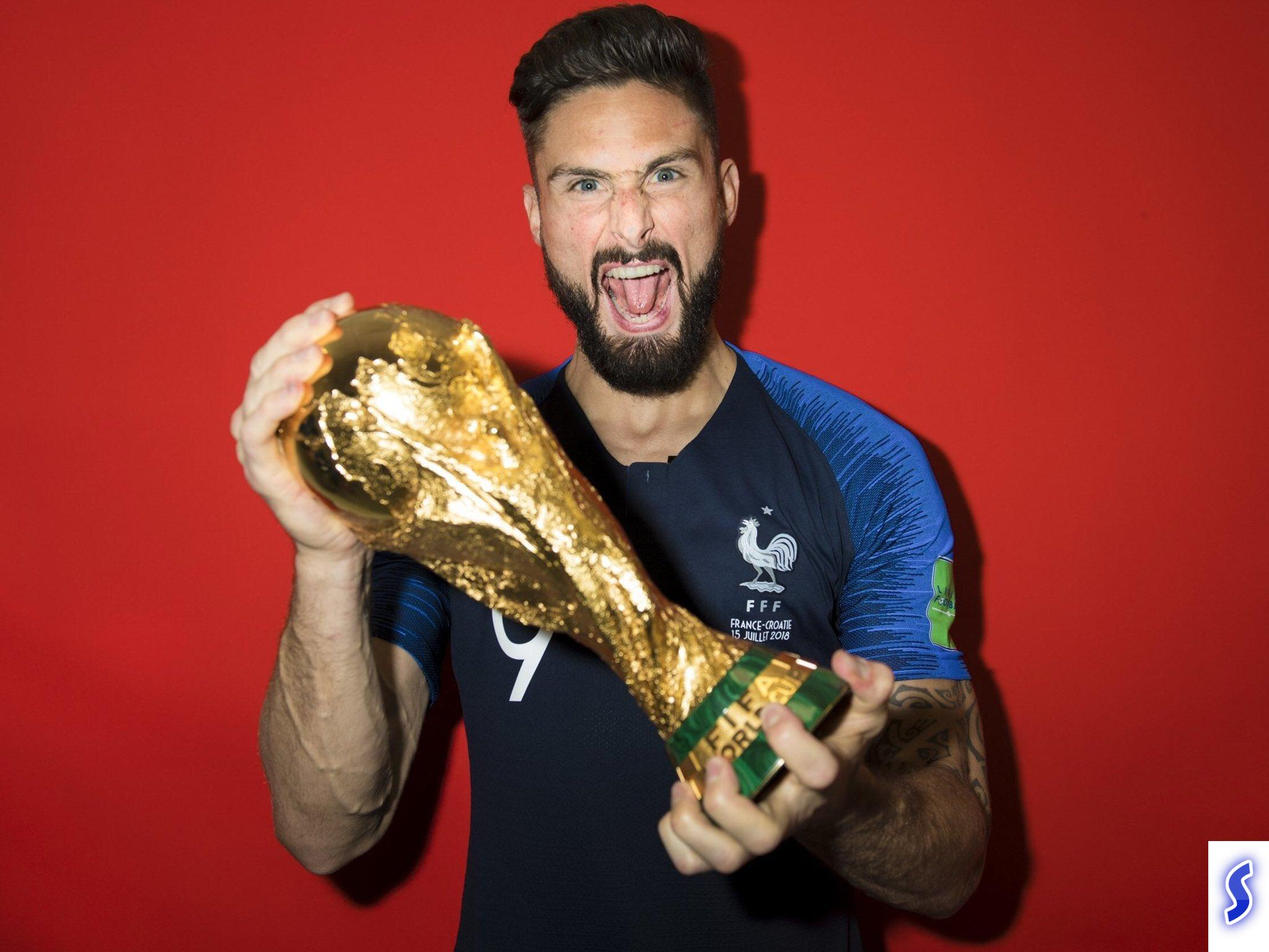 """Am a world champion"" Giroud respond to Benzema comment on him"