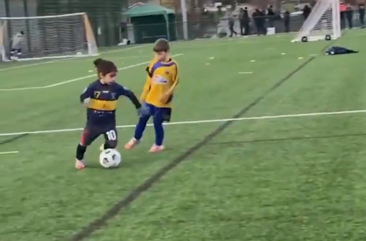 Incredible talents of six-year-old Liverpool Academy boy (Video)