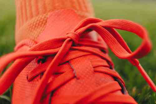 clean soccer cleats - laces