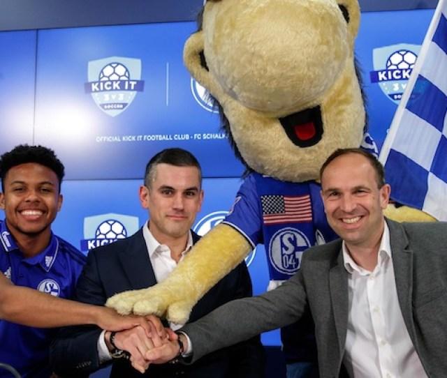 Us Mens National Team Star Fc Schalke Midfielder Participated In Kick