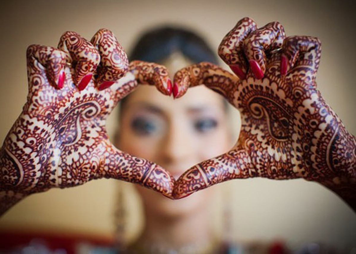 Mehndi Bride Entrance S : Pakistani wedding traditions sociable