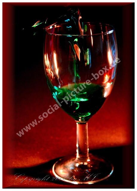 Getränke - Wein - Rotwein - Glas