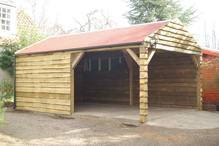 FGW42_Carport_with_featheredge_cladding-700x468