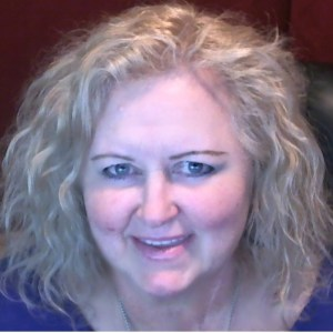 Elaine-Lindsay-speaker-Kinda-Bionic_PollyAnna-692sq