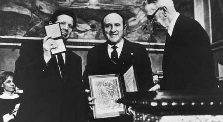 image-nobel-peace-prize-acceptance-1985