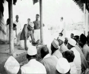 Mahatma Gandhi with Ashram volunteers
