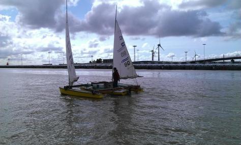 Trimaran. Ausfahrt Emder Aussenhafen