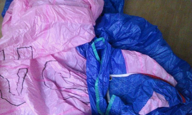 Eine wahrhaft unheimliche Farbzusammenstellung: Spi der Jeanneau FUN