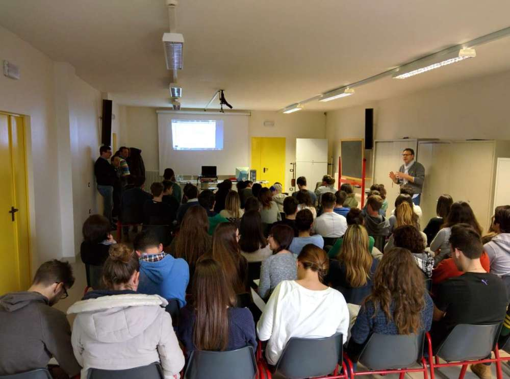 IMG 20150317 101703 La Prometeo al liceo G. Veronese