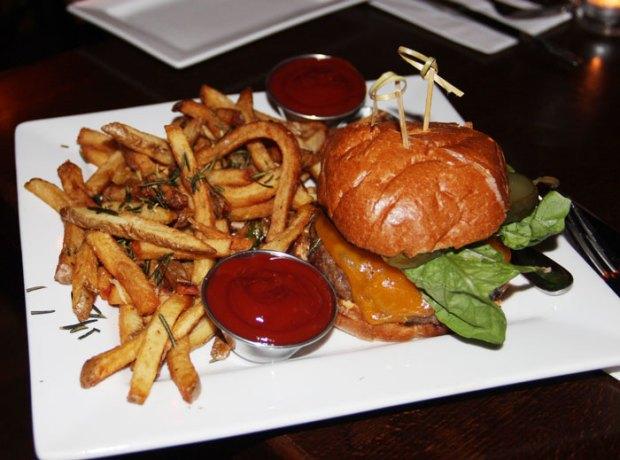New-Yorks-best-burgers--Dining-Magazine