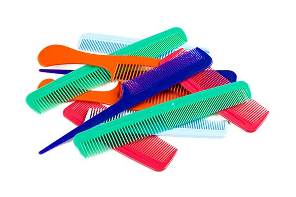 purse-essentials-combs