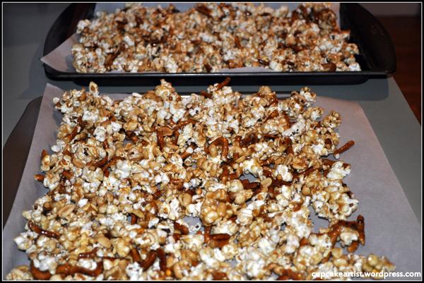 Cupcake Artist - Fancy Schmancy Caramel Nutty Pretzel Popcorn