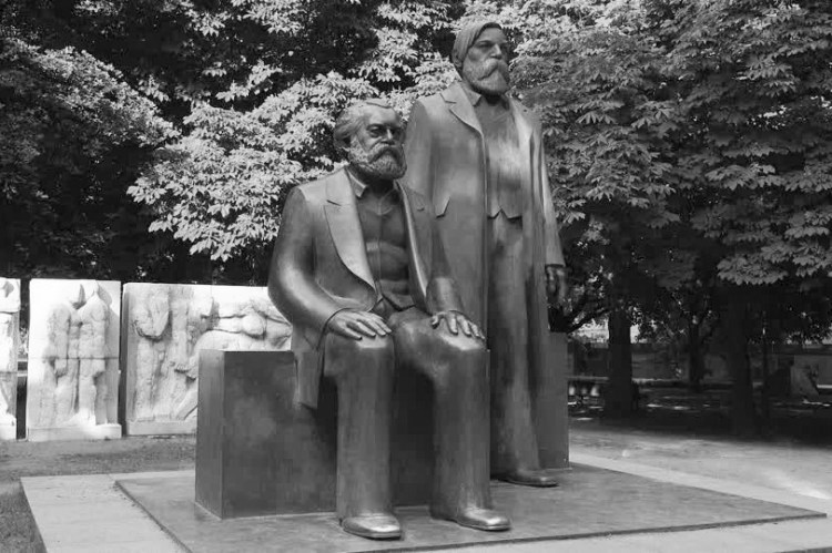 friedrich engels karl marx statue BandW