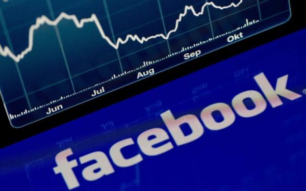 Boom delle banche sui #social: +90% fan su Facebook, +180% follower su #Twitter. Poste Italiane e Widiba al top