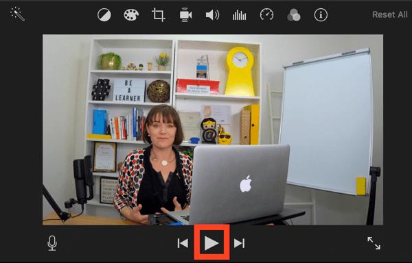 Klicken Sie auf Wiedergabe, um eine Vorschau Ihres Videos in iMovie anzuzeigen.