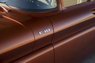 Esta nueva versión presentada en una conferencia de restauración y tunning de vehículos se denominó Chevy E-10