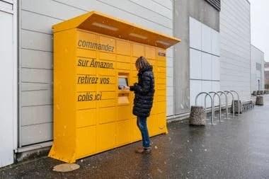 Uno de los puntos de entrega de pedidos del sistema Amazon Locker en Estraburgo, Francia