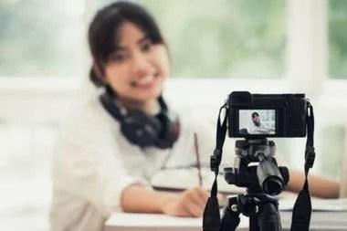 Con una cámara o un teléfono y un buen servicio de Internet se puede fácilmente hacer una transmisión en vivo