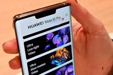 Los modelos más nuevos de Huawei como este Mate 30 Pro no recibirán actualizaciones de Android automáticamente, tras la cancelación de licencia de Google