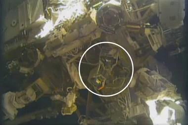 El refugio RiTS instalado en el exterior de la Estación Espacial Internacional