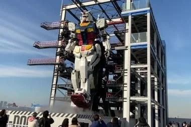 Después de varias pruebas preliminares, los creadores del robot Gundam presentaron de forma oficial los movimientos que realiza la enorme estructura de 18 metros de alto