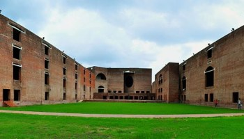 IIM-B offers health care management course with Apollo