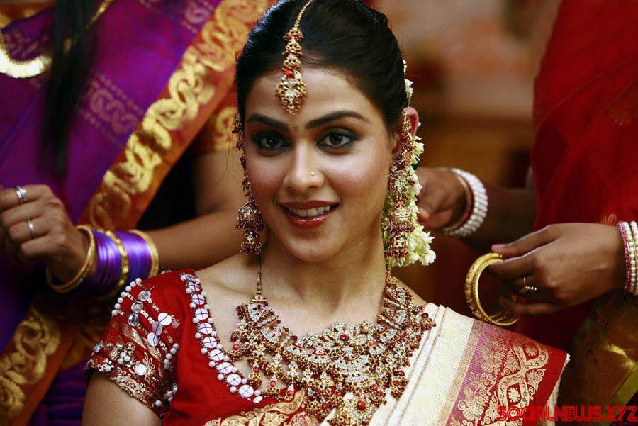 Dhanush & Genelia Starring Naradudu Movie Stills - Social ...