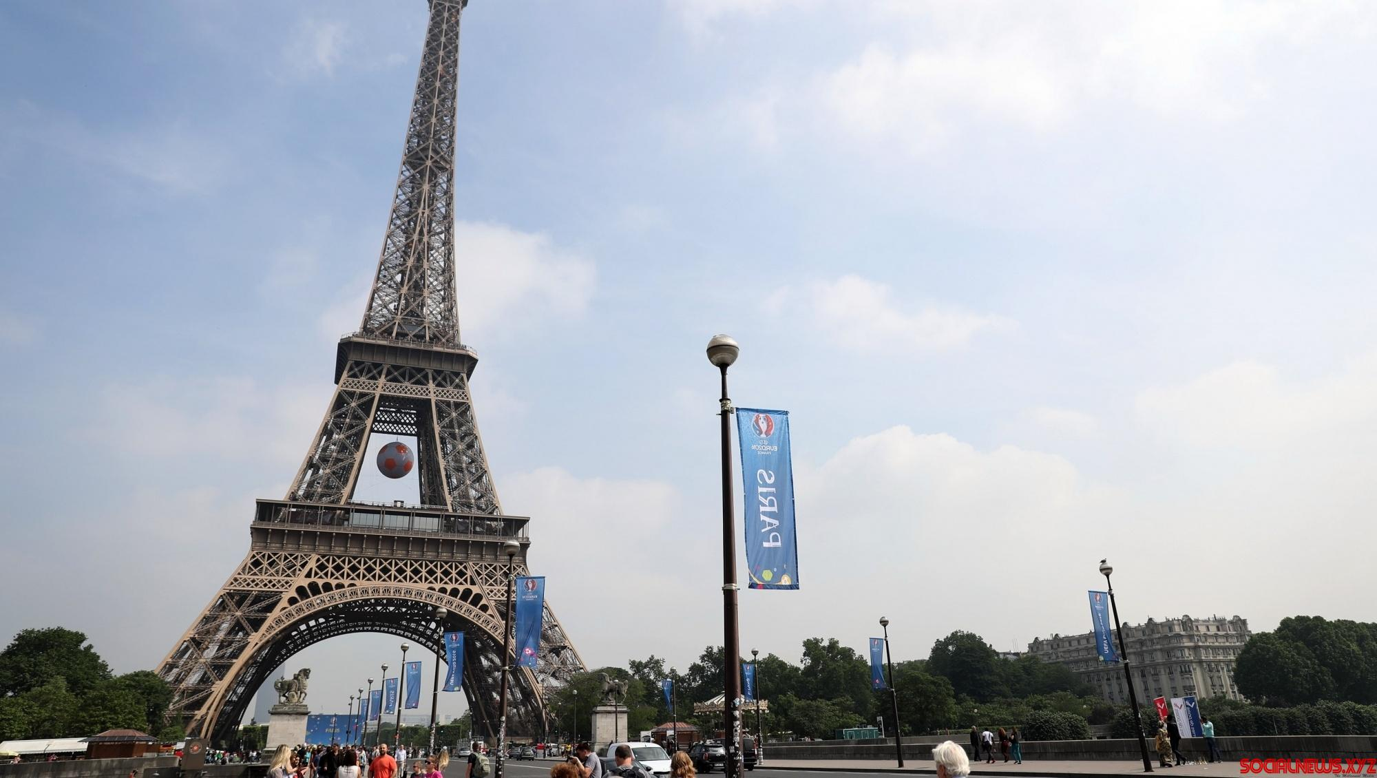 Paris Appreciation Awards will be given atop Eiffel Tower