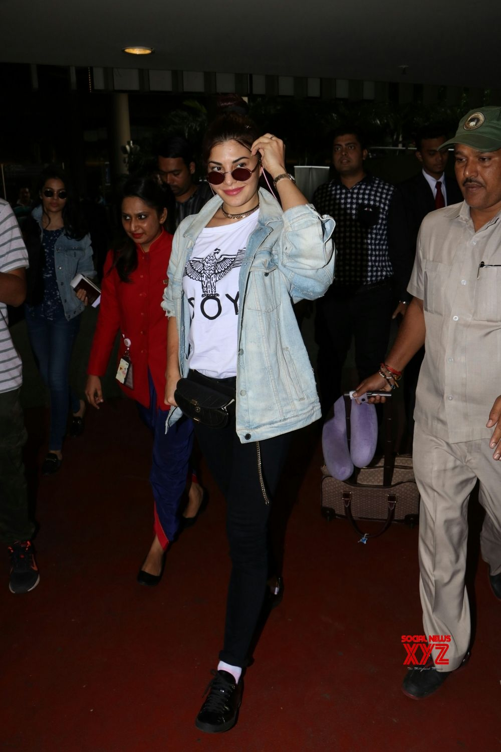 Mumbai: Jacqueline Fernandez spotted at airport