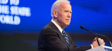 (170118) -- DAVOS, Jan. 18, 2017 (Xinhua) -- U.S. Vice President Joe Biden speaks at the 47th Annual Meeting of the World Economic Forum (WEF) in Davos, Switzerland, on Jan. 18, 2017.(Xinhua/Xu Jinquan)(gl)
