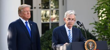 WASHINGTON, Nov. 2, 2017 (Xinhua) -- U.S. Federal Reserve Governor Jerome Powell (R) addresses a nomination ceremony with President Donald Trump at the rose garden of the White House in Washington D.C., the United States, on Nov. 2, 2017. U.S. President Donald Trump on Thursday announced his nomination of current Federal Reserve Governor Jerome Powell as the next head of the country's central bank. (Xinhua/Yin Bogu/IANS)