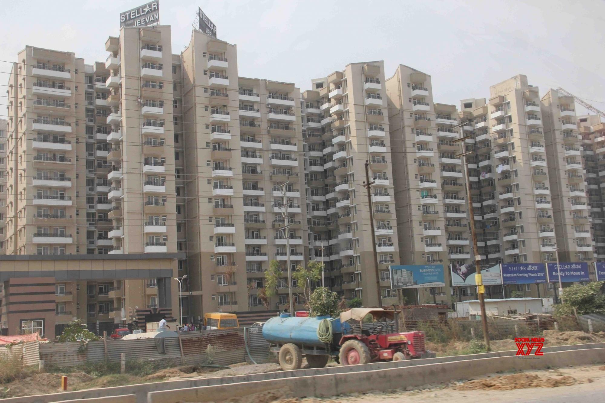 Unsold housing in Noida, Greater Noida down 12% in 2020: Anarock