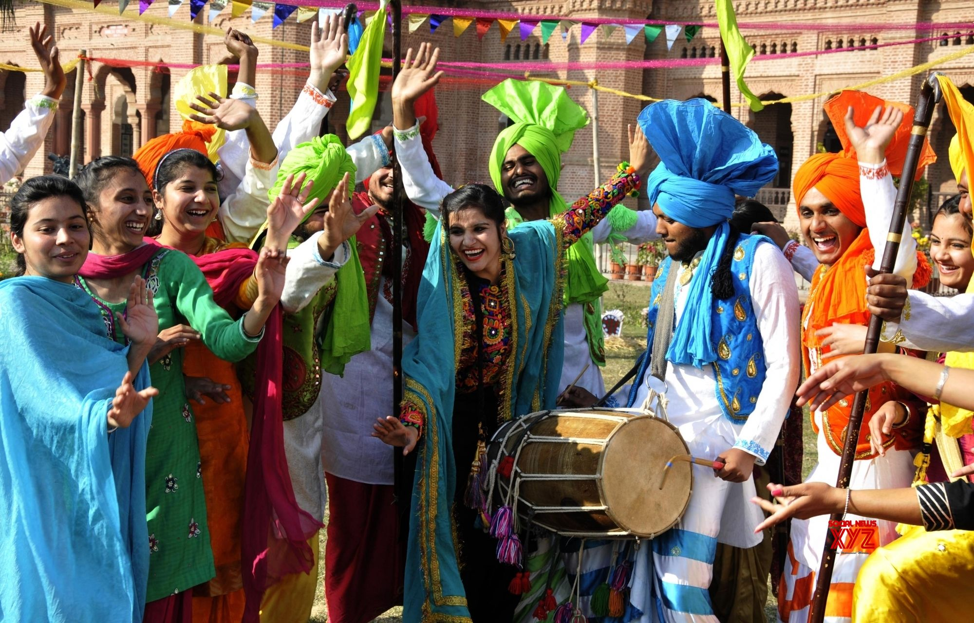 Amritsar: Lohri celebrations
