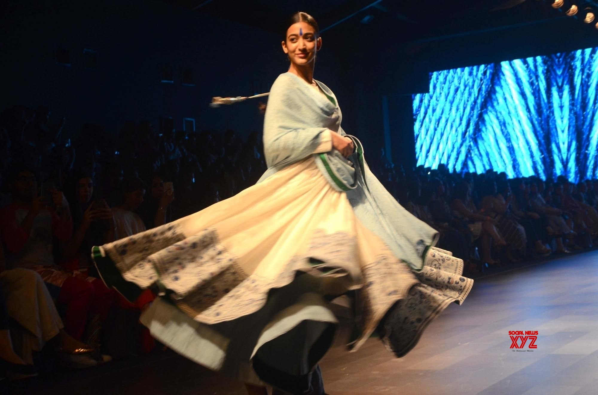 Seven Fashion Designers Pay Ode To Make In India Social News Xyz