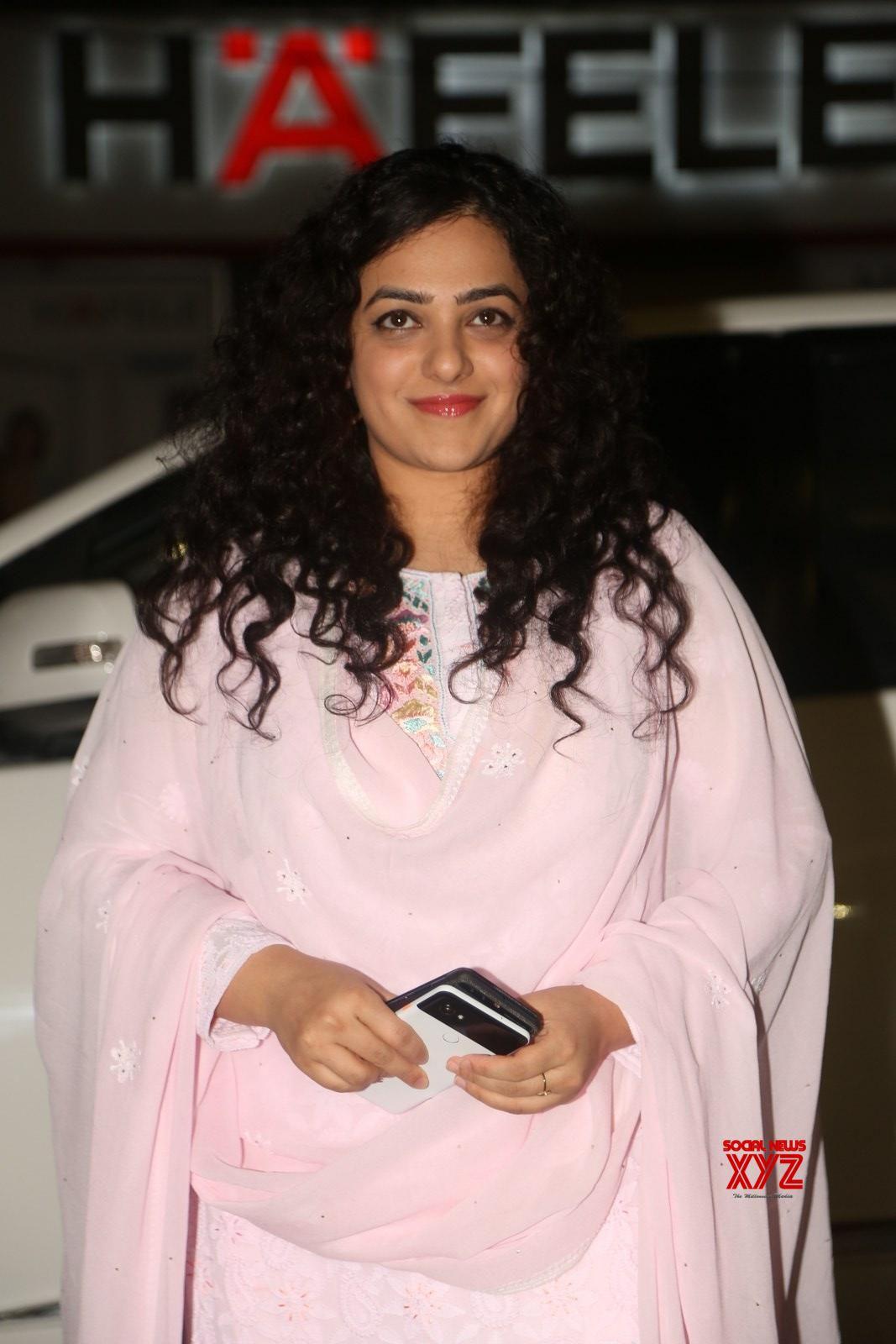 actress nithya menon stills from gaze art show - social news xyz