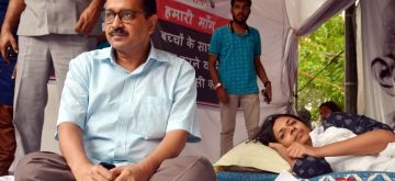 New Delhi: Delhi Chief Minister Arvind Kejriwal meets Delhi Commission for Women (DCW) Chairperson Swati Maliwal who is sitting on an indefinite hunger strike to press for death penalty for rapists of minors at Rajghat in New Delhi, on April 20, 2018. Her fast entered the eight day today. Maliwal launched the protest at Rajghat on Friday in the wake of the horrific rape incidents in Uttar Pradesh's Unnao and Jammu and Kashmir's Kathua districts. (Photo: IANS)