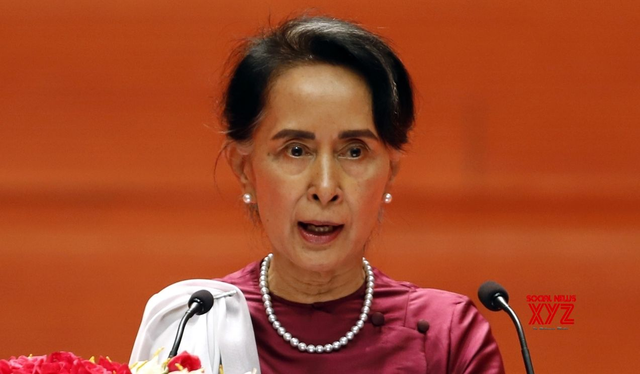 Suu Kyi seeks investment for Myanmar, ignores Rohingya crisis