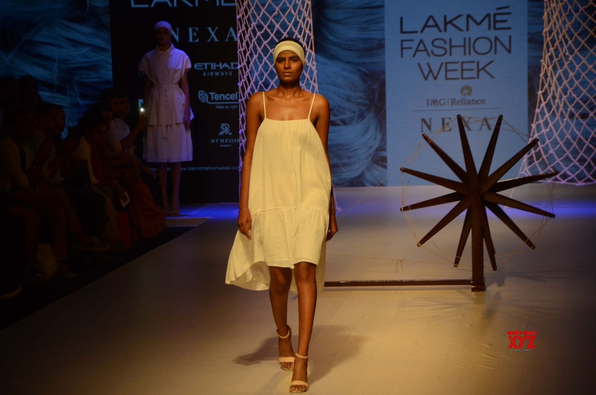 Mumbai: Lars Andersson, Buna and Jewellyn Alvares's show at Lakme Fashion Week Winter/Festive 2018 #Gallery
