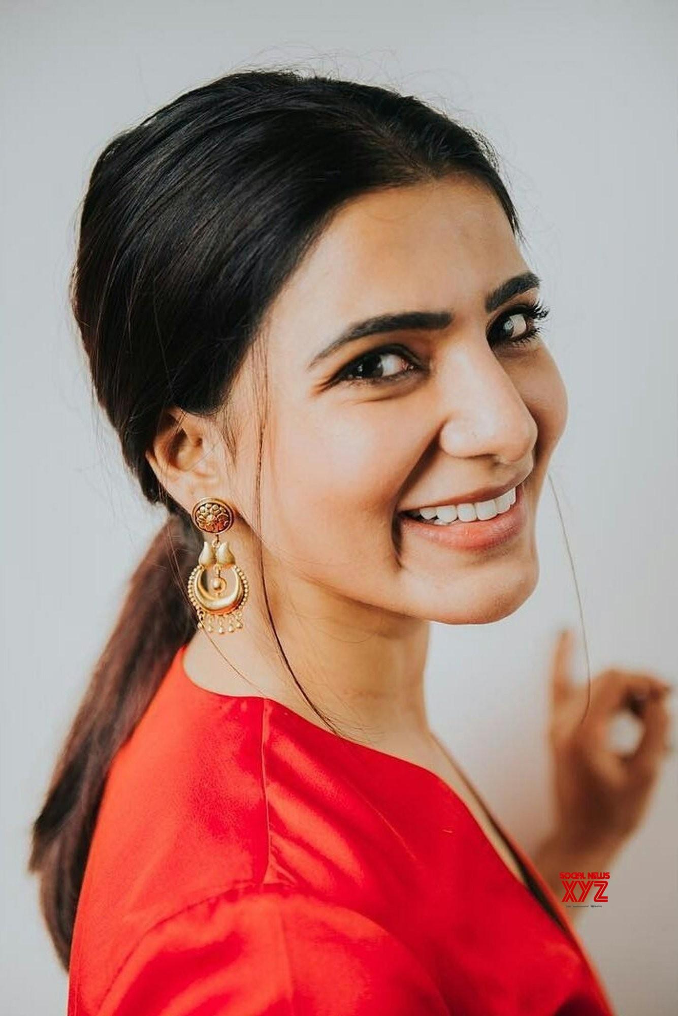 Actress Samantha Akkineni Latest Glam Stills