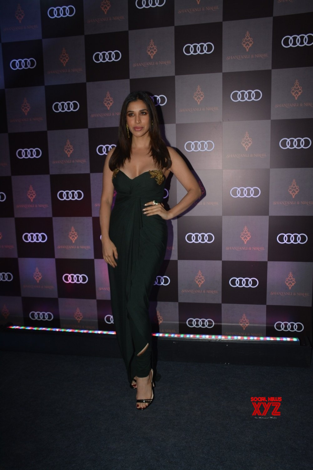 Mumbai: Shantanu and Nikhil's store launch - Sophie Choudry #Gallery