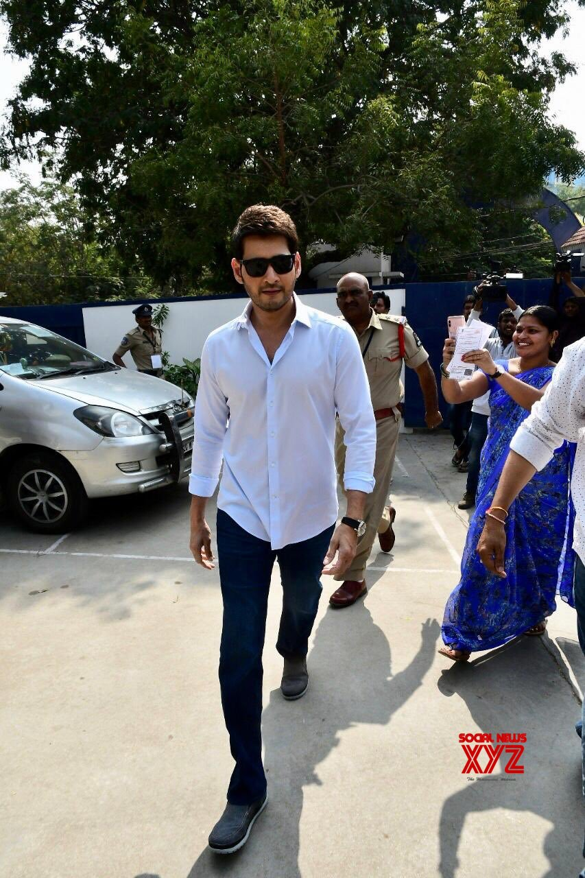 Mahesh Babu And Namrata Stills From Voting In Telangana Elections 2018
