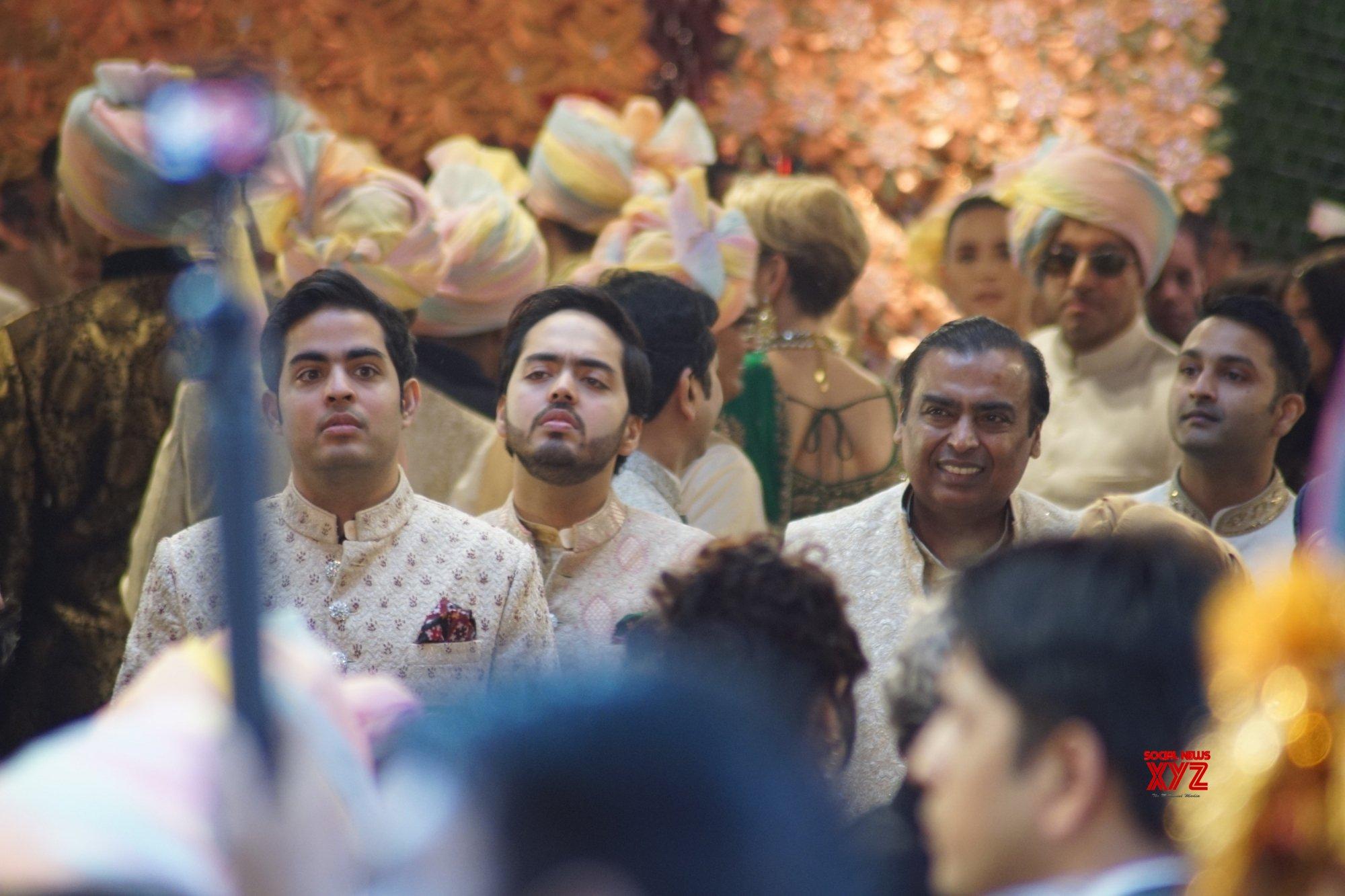 Regal wedding for corporate scions Isha Ambani and Anand Piramal dazzles Mumbai