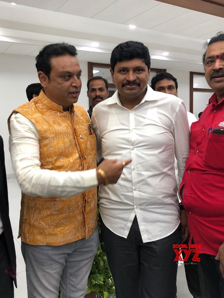 MAA General Secretary Naresh And Team Met Telangana CM KCR - Gallery