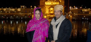 Amritsar: Cricket legend Sachin Tendulkar along with his wife Anjali Tendulkar at the Golden Temple in Amritsar on Dec 21, 2018. (Photo: IANS)